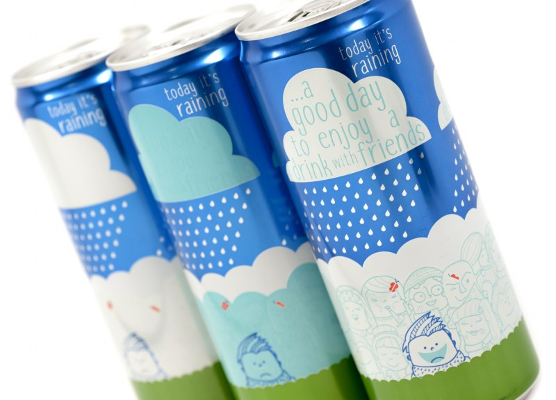 Beverage cans with Reveal Inks